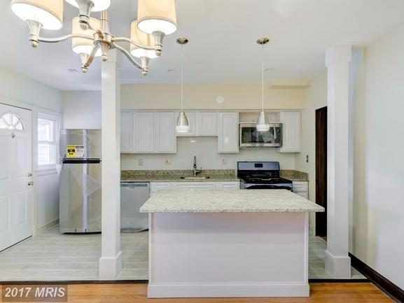 upgraded gourmet kitchen of 1618 D St NE Washington DC rental home